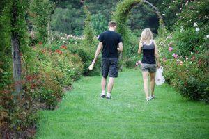 夫婦で歩く